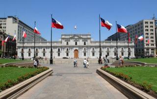 Palacio_de_la_Moneda_desde_Plaza_de_la_Constitución