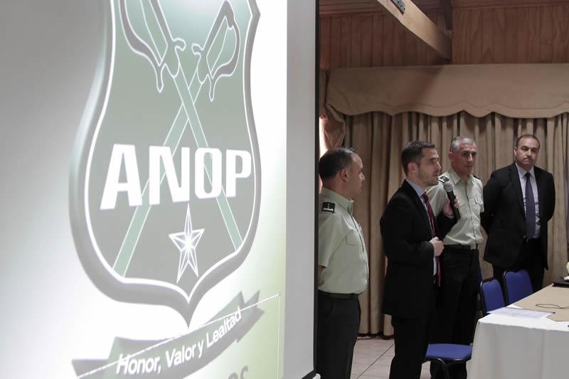 subsecretario-con-oficiales-anop-1