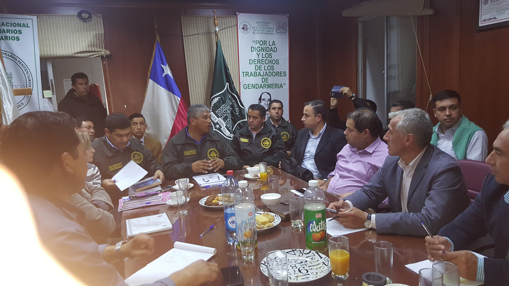 reunion-de-gremios-gendarmeria-de-chile-1