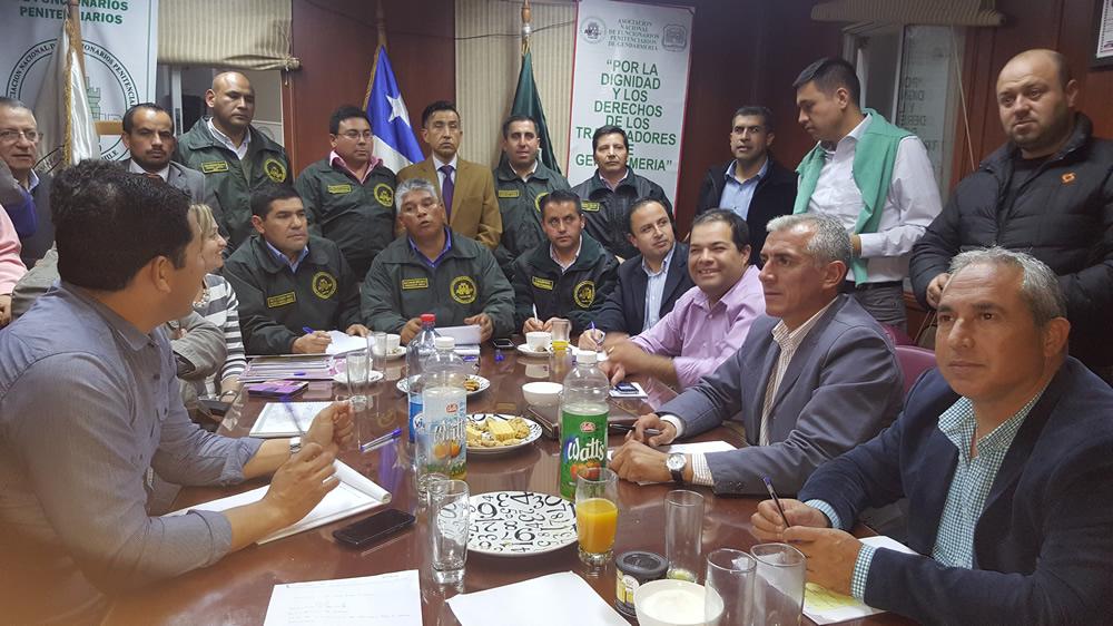 reunion-de-gremios-gendarmeria-de-chile-2